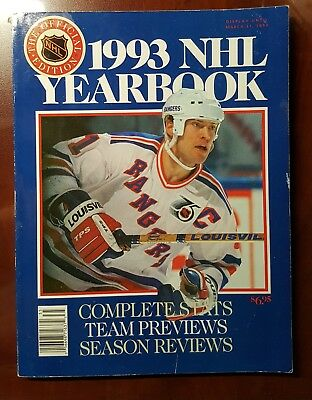 1993 Nhl Yearbook Mark Messier On Cover - Good Condition*
