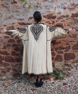 1920s vintage embroidered cream silk jacket by Peter Robinson