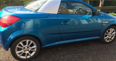 Car tigra sport convertible petrol 2004 vechicle