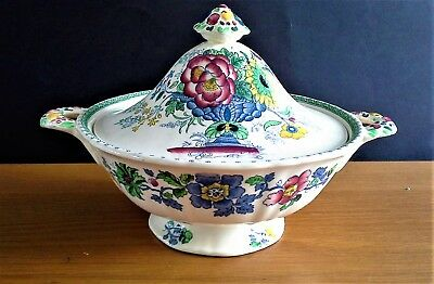 A MASONS Lidded Tureen in the Lovely STRATHMORE Pattern