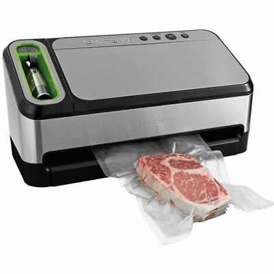 NEW FOOD SAVER 2-in-1 Vacuum Sealing System With Starter Kit 4800 Series, V4840