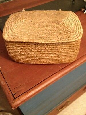 Vintage Sewing Basket With Lid - Great Keepsake Basket