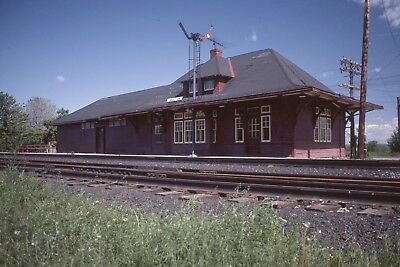 Original Kodachrome Canadian Pacific Rwys Station At Bolton, Ont  1982
