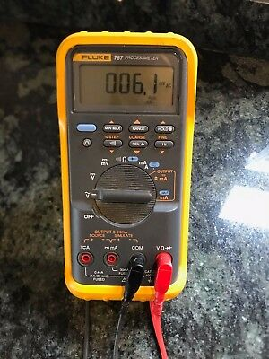Fluke 787 processmeter PWO complete with leads and protective sleeve
