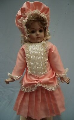 """An Attractive Dress And Bonnet For 24'25"""" Antique/reproduction Doll"""