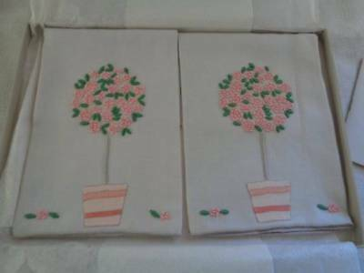 2 Vintage Marghab Madeira Embroidered Pink Rose Tree Towels Unused In Box