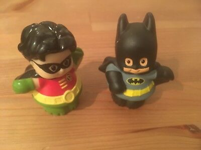 LOT OF 2 FISHER PRICE LITTLE PEOPLE DC COMIC SUPER HEROS BATMAN ROBIN  of