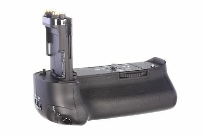 Canon BG-E11 battery grip, almost mint