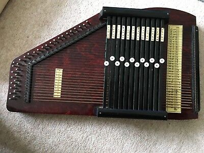 VINTAGE AUTOHARP 32 STRING 12 BAR - Beautiful Condition
