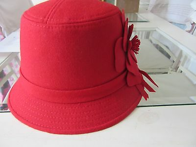 1920s red cloche hat - brand new with tags