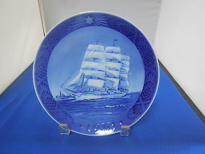 "1961 Royal Copenhagen ""The Training Ship"" Christmas Plate"