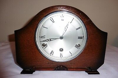 Fine Example Of A Vintage Perivale  Westminster Chiming Mantle Clock ( Working )