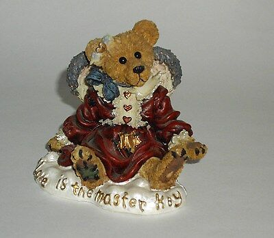 1998 Boyds Bears Bearstone Guinevere the Angel  Love is the Master Key Figure