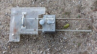 Brett-Guard Unisaw ? industrial Table Saw Safety Guide Model 10-A