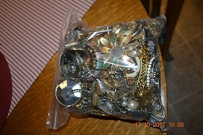 8+ pounds Lot of Modern/Vintage Costume Mixed Jewelry Very Little Junk Most New