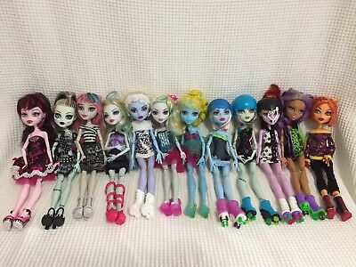 Monster high dolls Bulk Lot Originals, Skate,lagoona,Abby,caty, Great Condition