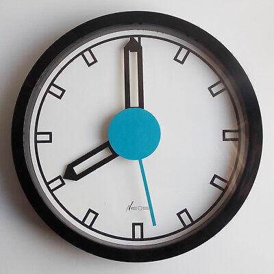Neos Of Lorenz, A Wall Clock Designed By Du Pasquier Sowden (Mendini Sottsass)