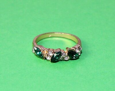 Green Ring - gold finish size 7