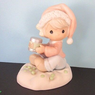 PRECIOUS MOMENTS 1998  Peas on Earth - Christmas figurine