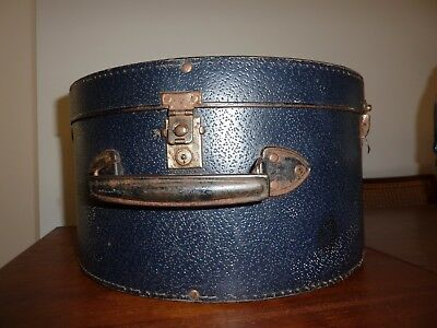 Vintage hat box with key