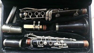 Regent Clarinet By Boosey & Hawkes Of London With Mouthpieces And Books