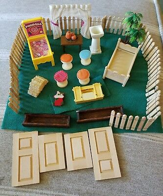 Lot of Miscellaneous Dollhouse Items Picket Fence Grass House of Miniatures 4003