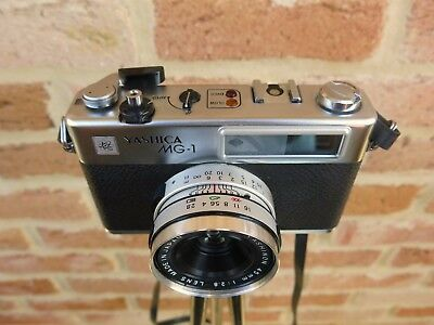 Yashica Electro 35 MG-1 35mm Rangefinder Camera with Original Case