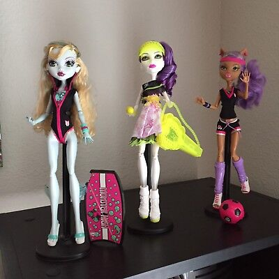 Monster High Ghoul Sports Lot W Stand Outfit Shoes Accessories Scream Uniform