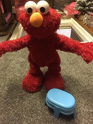 ELMO LIVE Interactive Talking Toy Fisher Price 2007 Mattel L9049 With Blue Stool