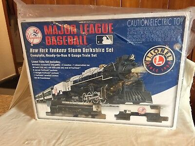 Major League Baseball New York Yankees Steam Berkshire Lionel O Gauge Train Set