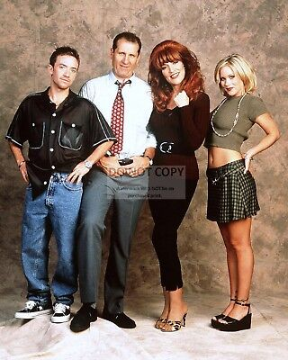 """married... With Children"" Cast From Fox Tv Show - 8X10 Publicity Photo (Op-235)"