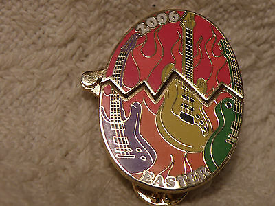 Hard Rock Cafe Pin 2006 Easter Pin Egg Opens Very Rare Ex Condition