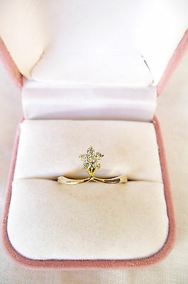 Pretty Vintage Sparkling Faceted Rhinestone Flower Ring Gold Tone Metal Size P