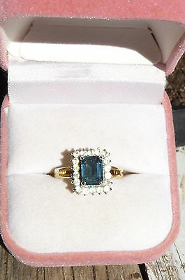 Vintage Sapphire Glass And Rhinestone Gold Tone Metal Ring Size N