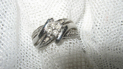Gorgeous 3 Ring Look 9.25 Sterling + 6 Genuine Small Genuine Diamond Ring - $5Po