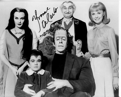 YVONNE DE CARLO hand-signed THE MUNSTERS 8x10 uacc rd coa LILY HERMAN & FAMILY