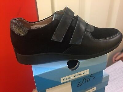 Ladies Black Leather Shoes Size 4