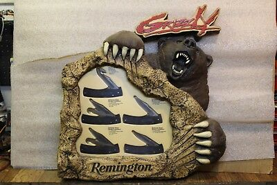 {{-Remington Grizzly Pocket Knife Store Display Complete with All USA Knifes-}}