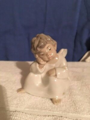 LLardo Porcelain Thinking Angel Figurine