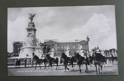 Vintage British Postcard - Horse Guards In London