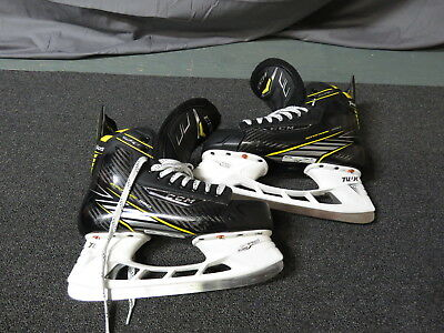 Very Lightly Used CCM Super Tacks Pro Stock Ice Hockey Skates Size 9 D/A Devils