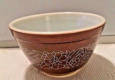 PYREX WOODLAND VINTAGE #401 (1 1/2 pint) Bowl Brown/White PREOWNED