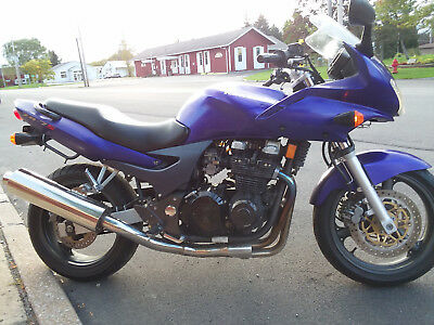 2002 Kawasaki ZR7s  2002 Kawasaki ZR7s, Original and only 16,300 miles