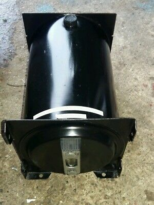 Hydraulic oil tank. 10 litre. 2 available.