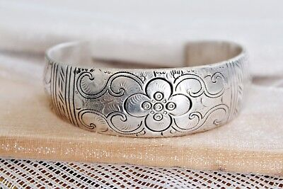 Heavy 90 g Hand Made VINTAGE Carved SOLID STERLING SILVER Cuff BRACELET