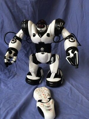 WowWee Large Robosapien Robot with Remote Control Fully Working