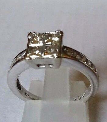 18ct White Gold 0.75 Carat Princess Cut Diamond Ring L