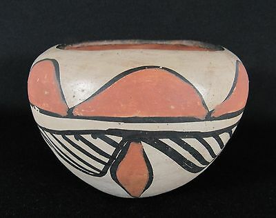 Old Vintage SANTO DOMINGO PUEBLO (Kewa) Art Pottery Bowl