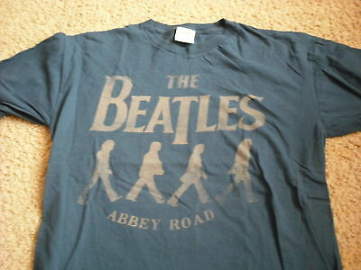 """THE BEATLES official """"Abbey Road"""" t-shirt Adult Medium"""