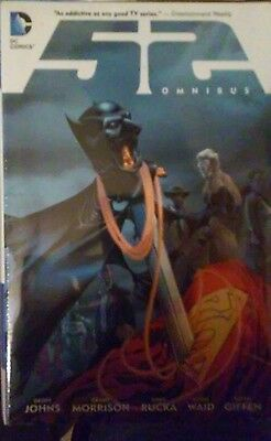 THE 52 OMNIBUS (2012)Geoff Johns,Morrison,Giffen,Rucka NEW! New book